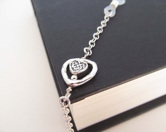 Silver Eyeglasses chain with hearts - Valentines gift - eye glass chain - reading glasses - glasses chain - glasses leash - glasses holder