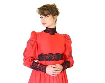 50s maxi dress. Victorian dress. Harwood Steiger print. Red black dress. Black lace dress. Size XS, S Costume dress. Quail print