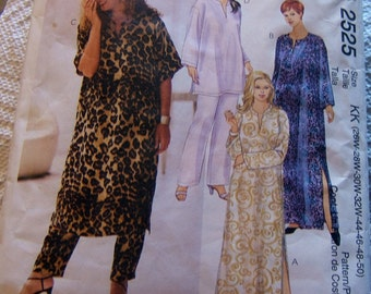 McCalls 2525 size - robe cut to 32 size 26 - 32