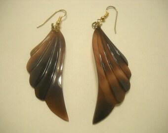 Mother Of Pearl Pierced Earrings (5502) Brown...Or Purple....Depending On Lighting