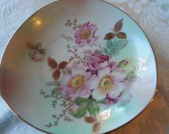 So Beautifully Hand Paiinted Wild Rose Bowl by Schumann Arzberg, Germany, Treasury Item