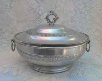 Aluminum Covered Casserole  Dish Pyrex Insert With Handles Embossed Aluminum Retro Kitchenware