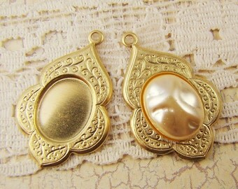 Ornate Cameo Setting Floral Etched Raw Brass Bezel 10x8mm Oval - 4