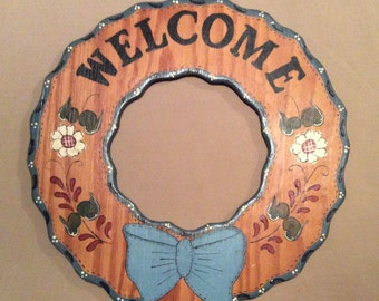 Vintage Handmade Wood WELCOME Wreath, Hand Painted Wall Hanging, Home Decor