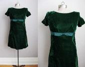 1960s Vintage Party Dress Green Velvet Short Green Dress Satin Bow / Small