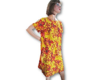 Vintage Hawaiian Dress, 50s 60s MuuMuu, Yellow Red Hibiscus Print, Metallic Silver, Floral Cotton Print. Aloha Dress, Retro Mid Century Luau
