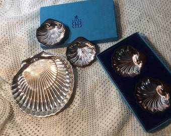 ON SALE, Vintage Birks Silverplate Shell Shaped Bowl Set, Regency Plate, Four Small and One Larger, Excellent Condition