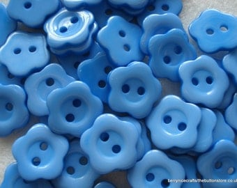 14mm Blue Flower Shaped Buttons, Pack of 50 Blue Buttons, A75
