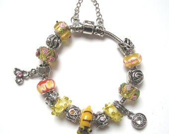 "Magnificent bracelet glass pearls and matched bracelet charms of which a craft(home-made) pearl "" Cat(Chat) Tiger ""."