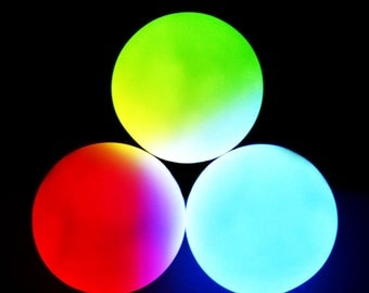 GloFX 78 mm Professional Three LED Juggling Balls 9 Modes Multicolor Rave Light Glow Colors Poi Spinning Juggle Dance Flow