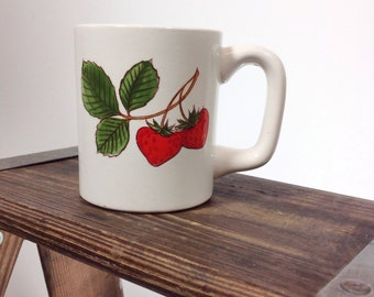 Beautiful Vintage Kids Children's Milk Cup Mug Strawberry