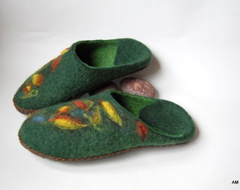 Felted slippers ,Women plus size slippers ,green felt wool slippers Leaves ,gifts for mom 10US