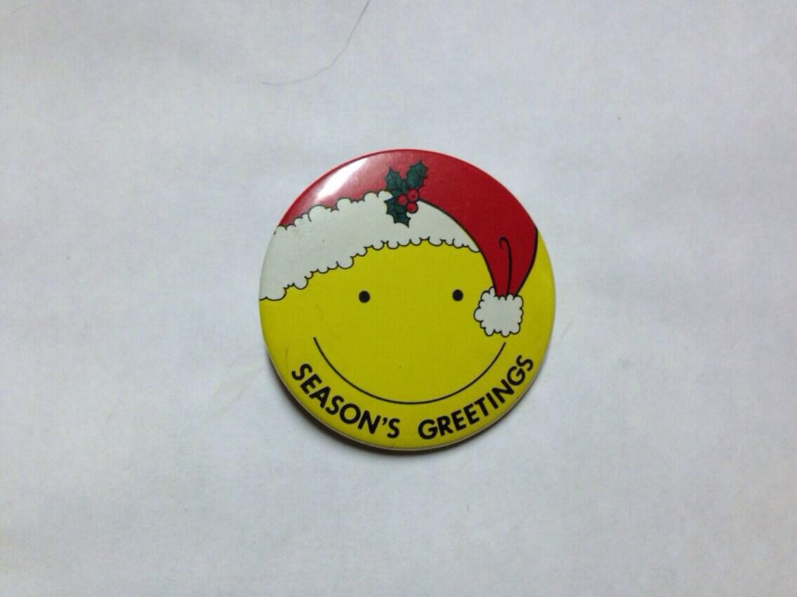 Vintage Seasons Greetings Smiley Face Santa PIN BACK BUTTON