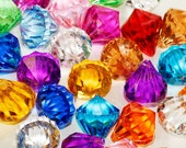 """1"""" Assorted Colors Acrylic Multi-Faceted Diamond Pendants Table Scatter Vase Filler Minecraft Pirate Gems Treasure Jewels HP1084L"""