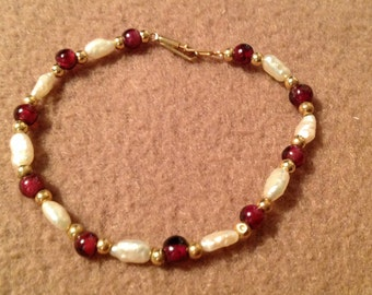 Vintage 14K Gold beaded Freshwater Pearl and Cranberry Beaded Bracelet