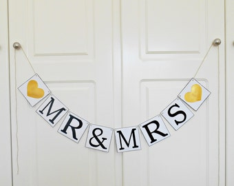 FREE SHIPPING, Mr & Mrs banner, Wedding Banner, Bridal shower banner, Engagement party decoration, Photo prop, Bachelorette party decor,Gold