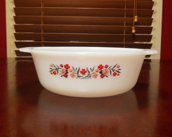 "Fire King Anchor Hocking 1 1/2 quart round casserole in ""Primrose"" pattern"