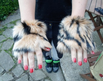 One Luxury Pair of TigerFurry Wrist Cuffs Wristlets Cute Cosy Cosplay Elasticated Winter