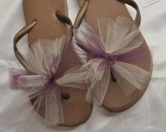 SALE!! Custom WEDDING Flip Flops, BRIDESMAID Flip Flops, Simple & Elegant Tulle, Bridesmaid Gifts, Bridal Party Gift, Beach Weddings