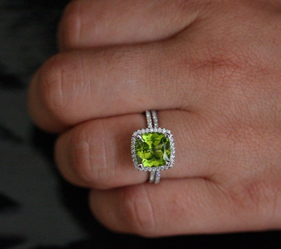 Large cushion peridot engagement ring set cushion 9mm peridot for Peridot wedding ring set