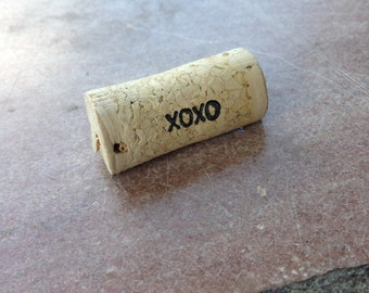 PERSONALIZED XOXO Wine Cork Place Card Holders - set of 25 - Weddings -Birthdays - Shower - Parties