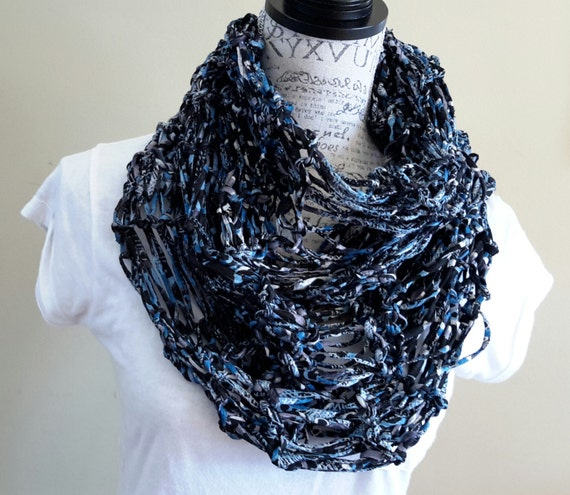 Knitted Drop Stitch Cowl Pattern : Knit chunky fabric cowl. Drop stitch cowl. Made by Bead Gs on