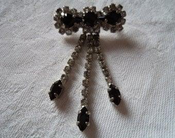 Vintage Unsigned Silver Rhinestone Tassel Brooch/Pin
