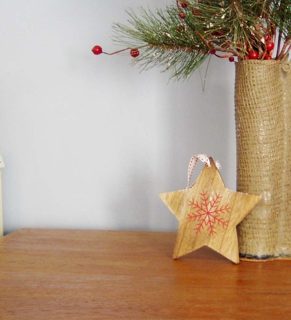 Wooden star with red snowflake vintage star shaped for Vintage christmas craft supplies