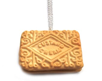 Custard Cream Biscuit Necklace - Teatime Jewellery - Realistic Biscuit Necklace - Edible Jewellery - Art Jewellery - Quirky Chunky Necklace
