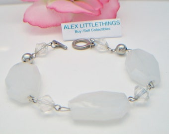 White Opaque Faceted Beaded Bracelet Costume Jewelry 9 inch Silver Tone