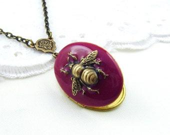 Antiqued Gold Bee On Red Enamel  Locket. Resin Locket. Wedding Locket.