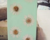 iPhone 4/4s & 5/5s Real Pressed Daisies Phone Case