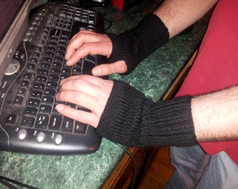No-Frills Fingerless Mitts