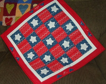 Handmade Wavy Stars Quilted Wall Hanging