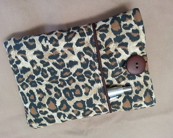 Kindle, Kindle Touch or Kindle Paperwhite Cover.Leopard print fabric lined padded case, sleeve, pouch.