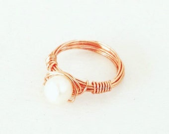 Very DELICATE Freshwater Pearl Ring in Rose Gold