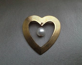 Pearl and Gold Heart Brooch Vintage Jewelry Vintage Pins