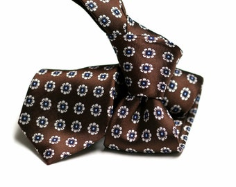 Silk Tie (3 inch) in Floral with Brown, White, Blue