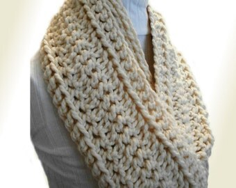 Infinity Scarf Cowl EXTRA Long Chunky Loop Scarf Circle Scarf Crochet Wool Cream Infinity Vanilla Fishermans Winter White Cream Gift Idea