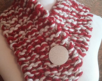 ONLY ONE Red and Cream Chunky Winter Knit Button Cowl