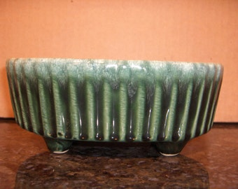 HULL PLANTER Oval Shaped Green Ribbed Planter F39