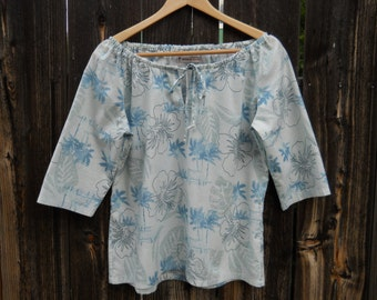 Retro Hawaiian Print Peasant Blouse / Tropical Hibiscus Cotton Shirt / Size Medium
