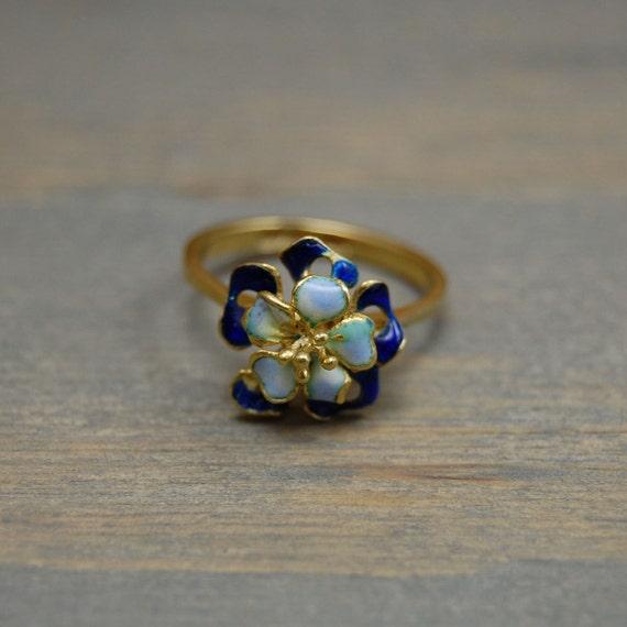 Vintage 18K Unoaerre c.1960 Enamel Flower 3D Ring