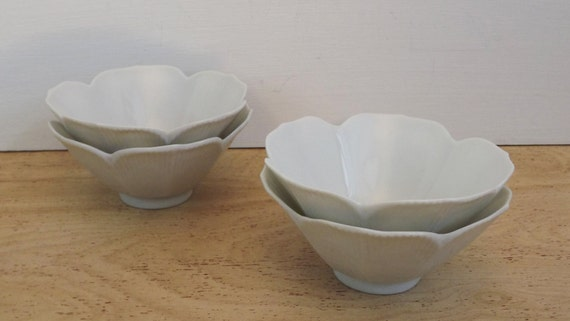 Vintage retro set of 4 japanese lotus tulip flower bowls for Pier import oran