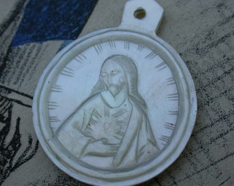 French antique 19th century Hand engraved mother of pearl pendant  reliquary Jesus sacred heart white pearl antique pendant