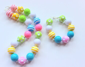 Girls Easter chunky necklace and bracelet set Matching necklace and bracelet for girls  Easter necklace Pastel colors pink green yellow aqua