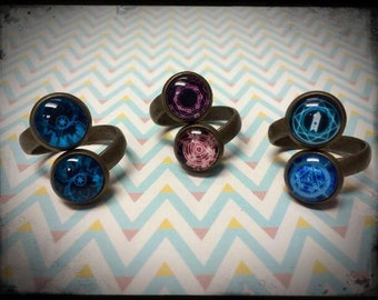 Science Fiction-Inspired Antique Bronze Wrap-around Rings