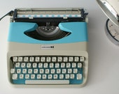 Funky blue working typewriter, Underwood typewriter, Underwood 18 typewriter, vintage typewriter, manual typewriter, portable typewriter