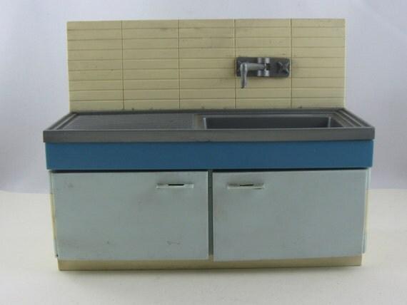 Mobili cucina dollhouse dagli anni sessanta settanta anni - Mobile lavandino cucina ...