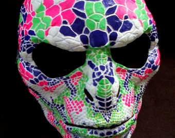 lizard party mask - glow in the dark - white/pink/green/purple